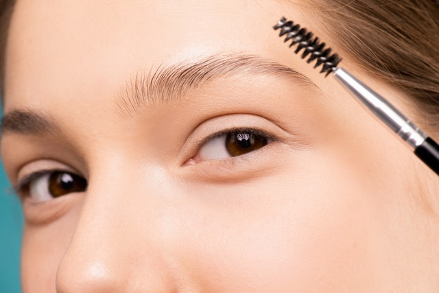 How to Take Care of your Eyebrows at Home