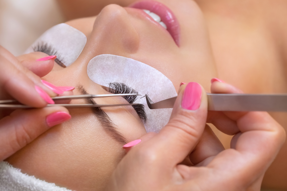 Tips on How to Properly Maintain Eyelash Extensions